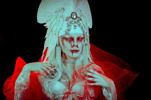 Emma Tagada, make-up EvaderFX