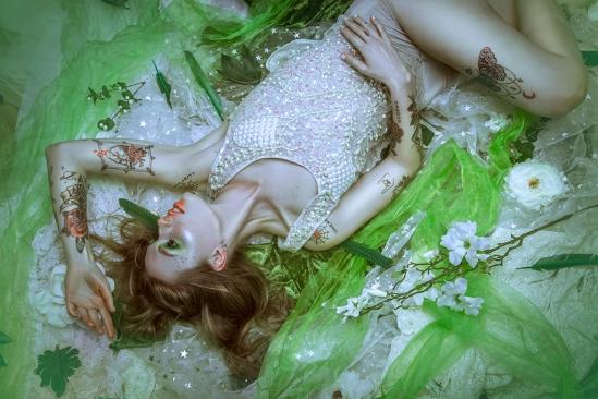 Kim Longwood, make-up: Iris Scholte