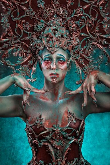 Make-up, hooftooi en korset: Joyce Spakman model: Estrella Dewi de Graaf