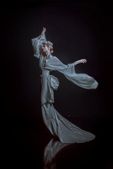 Model: Fox and Lionheart Kleding: Dead Lotus Couture make-up en haar: Eline van Gils